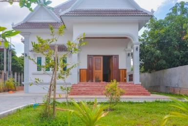 Three bedrooms house available