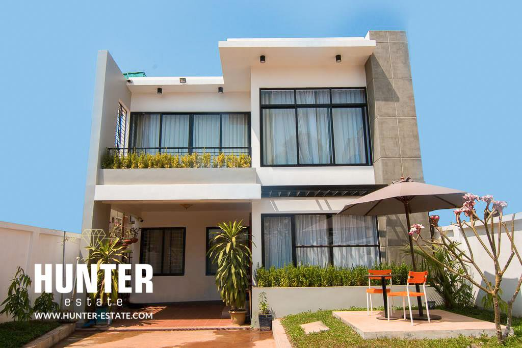European style 5 bedrooms apartment fully furnished