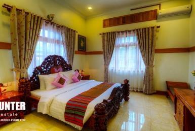 Elegant 6 rooms Villa