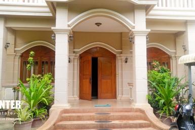 Stunning 4 bedrooms Villa